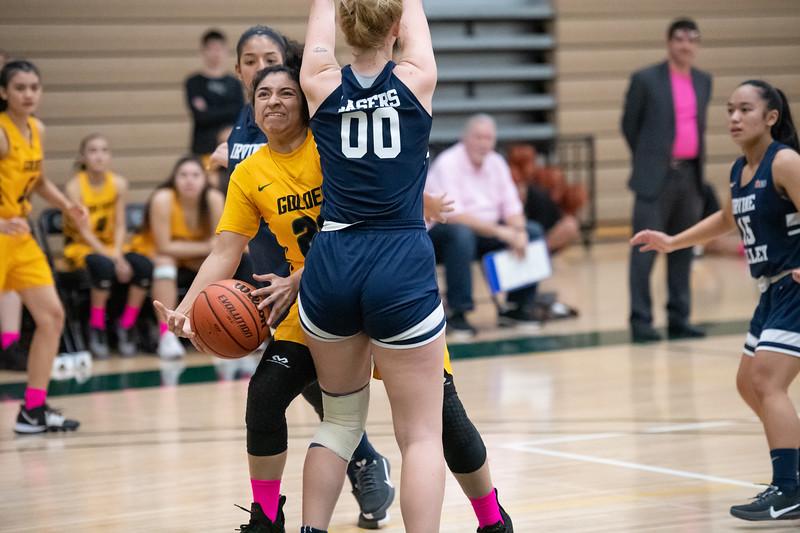 Basketball-W-2020-01-31-7861.jpg