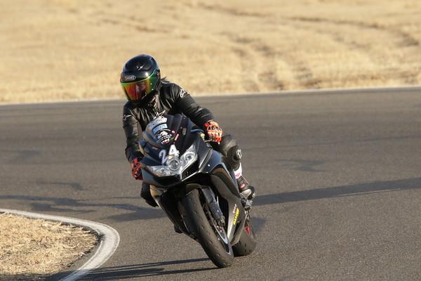 24 Suzuki Black