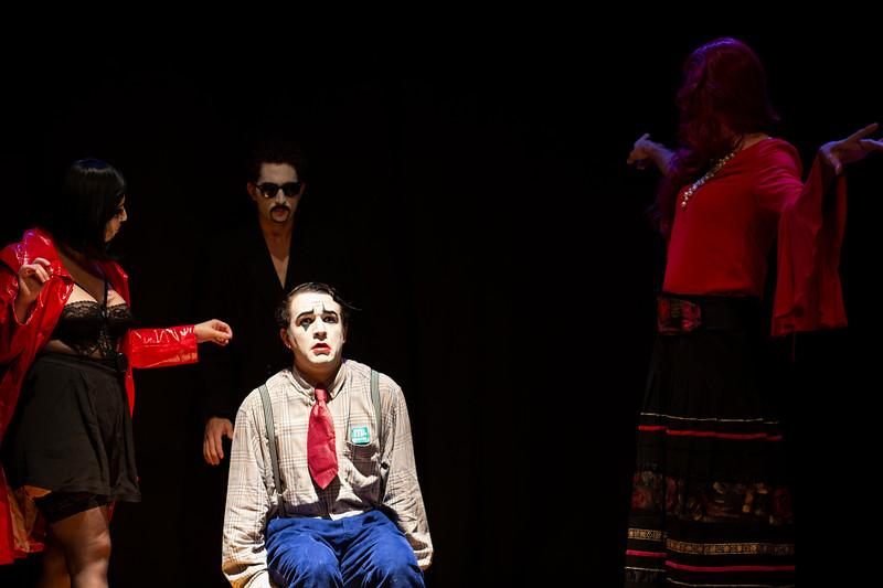 Allan Bravos - essenCIA Teatro - Persona 07-374.jpg