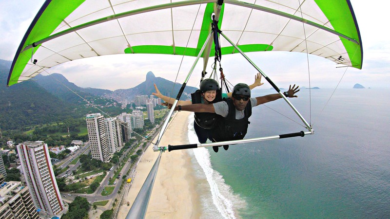 Hang gliding in Rio