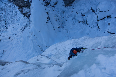 01 15 Peter Pan e Vin - Zajzera, ice climbing