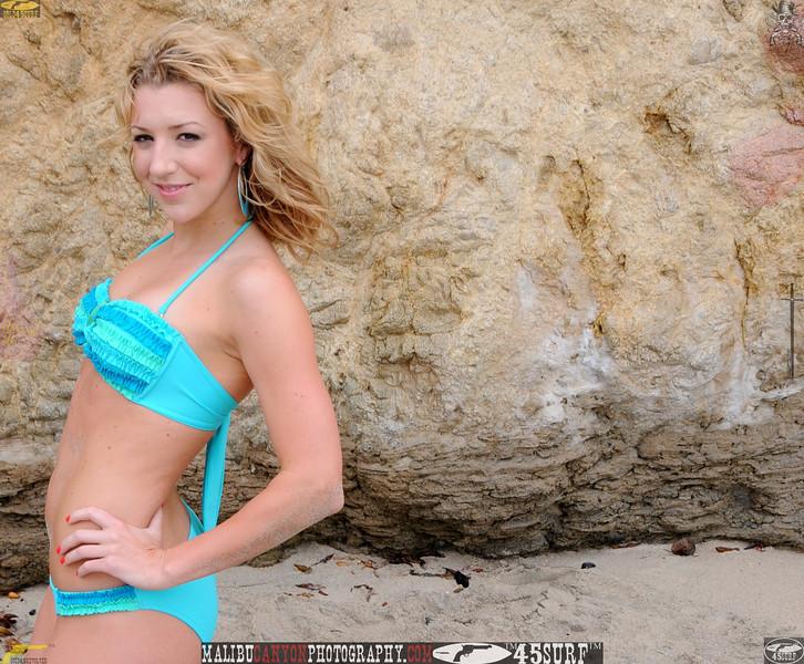 malibu swimsuit model beuatiful woman bikini 419.23.2.