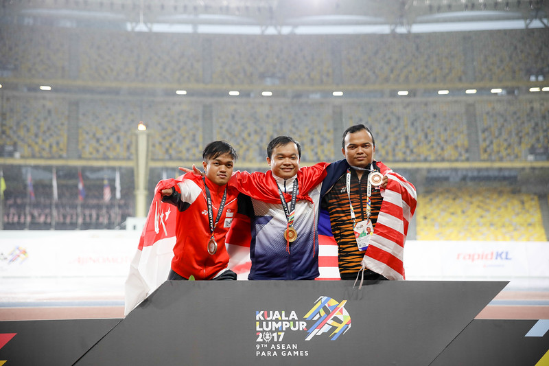 PARA ATHLETICS - MUHAMMAD DIROY BIN NORDIN during Victory Ceremony representing Singapore in Men Javelin Throw (600G) - F40/41 at Bukit Jalil National Stadium, KL on September 19th, 2017 (Photo by Sanketa Anand)