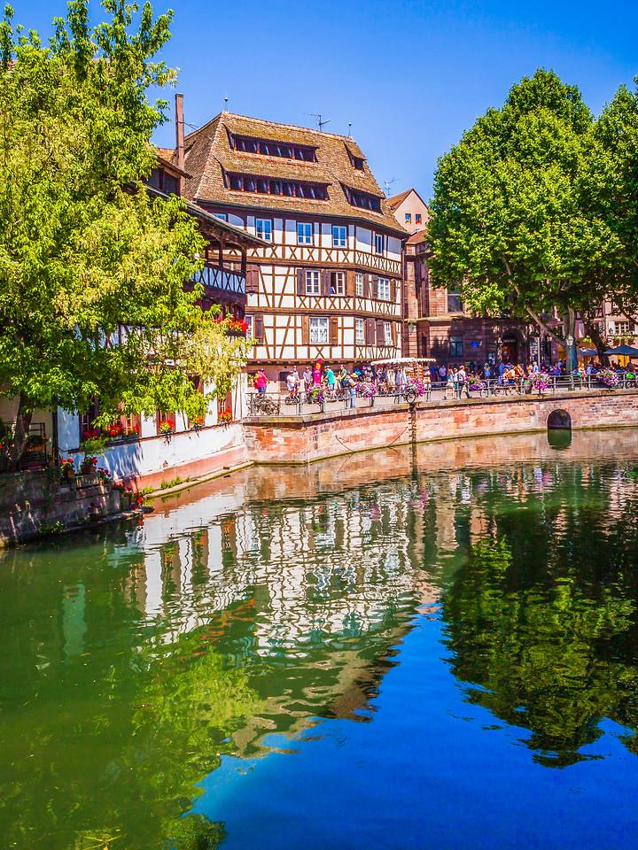 法国斯特拉斯堡(Strasbourg),河边眺望