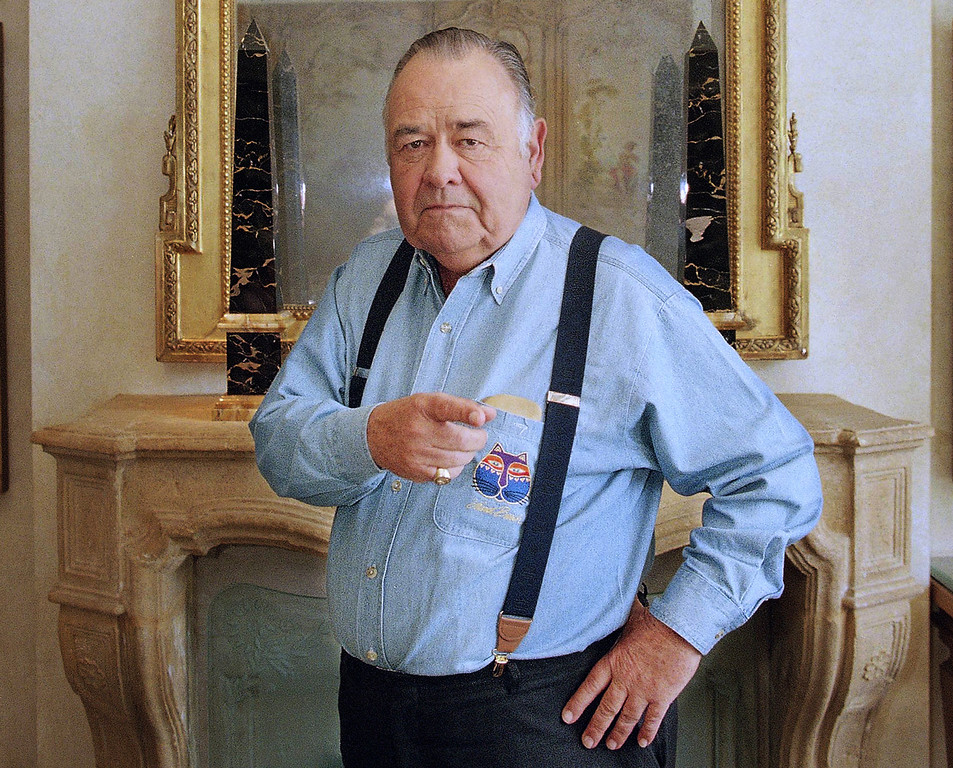 . FILE - This May 6, 1997 file photo shows comedian Jonathan Winters posing at a hotel in Beverly Hills, Calif. Winters, whose breakneck improvisations inspired Robin Williams, Jim Carrey and many others, died Thursday, April 11, 2013, at his Montecito, Calif., home of natural causes. He was 87.  (AP Photo/Damian Dovarganes, file)
