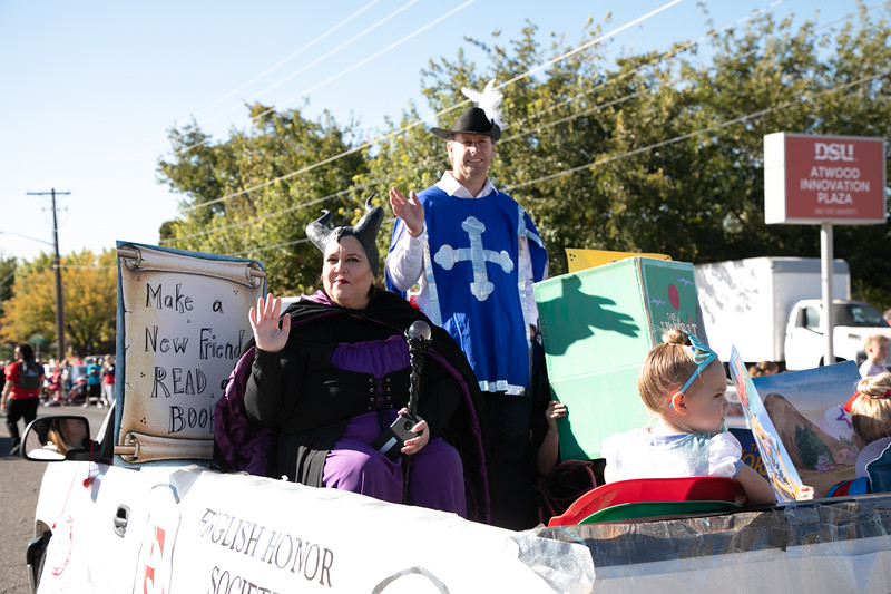 HOMECOMING PARADE 2019-2240.jpg