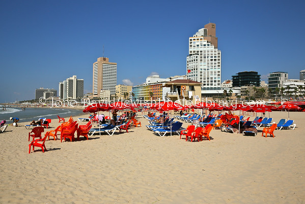 ISRAEL, Tel Aviv. Beaches (9.2014)
