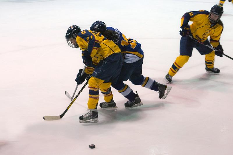 20130310 QWHockeyvsUBC 514.jpg