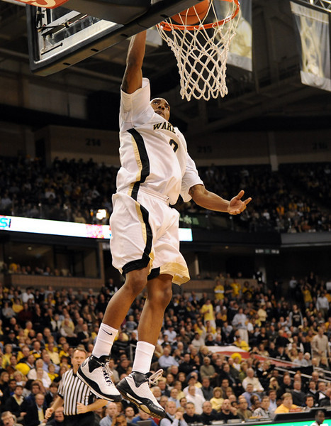 Teague dunk 01.jpg