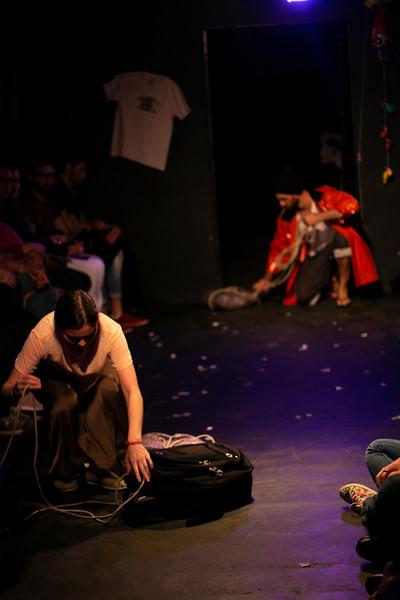 Allan Bravos - Fotografia de Teatro - Indac - Migraaaantes-337.jpg