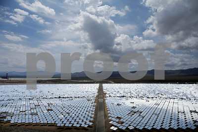 huge-solar-plant-lags-in-early-production