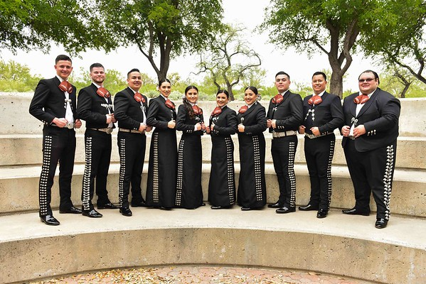 Mariachi Tesoro quick group shot