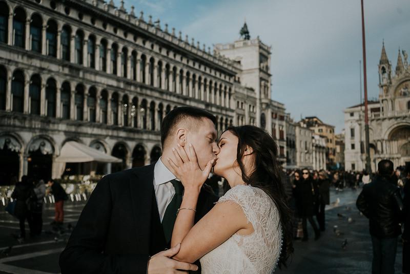 Tu-Nguyen-Destination-Wedding-Photographer-Elopement-Venice-Italy-Europe-w68.jpg