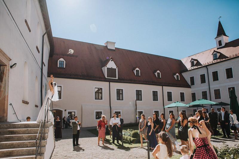 Sommerliche Hochzeit Kloster Seeon (110).jpg