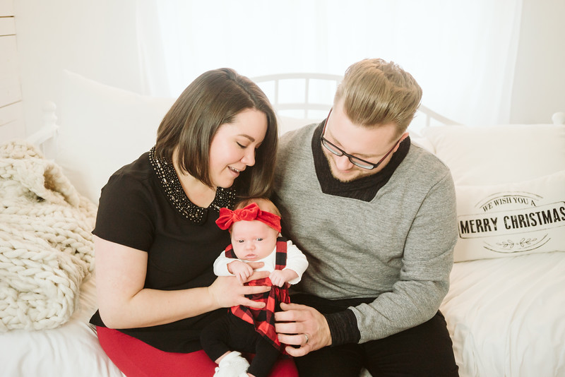 Schmidt Christmas Mini Session 2018-3.jpg