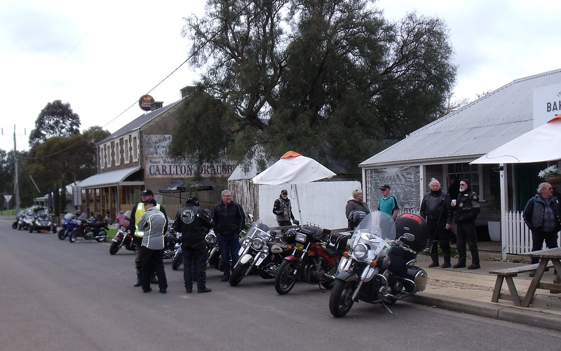 Pleasant Sunday ride - Inverleigh Bakery & Sandstone Cafe I-BbL4xBq-L