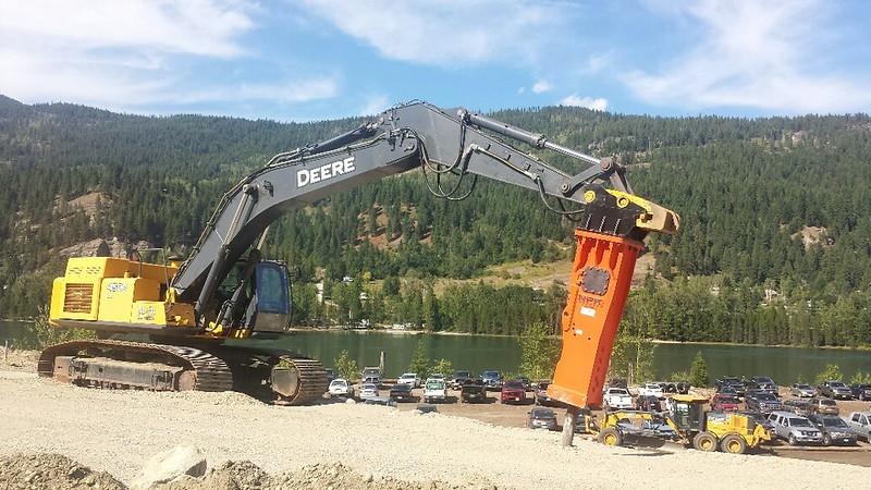 NPK GH30 hydraulic hammer on Deere 450 D  8-19 (2).jpg