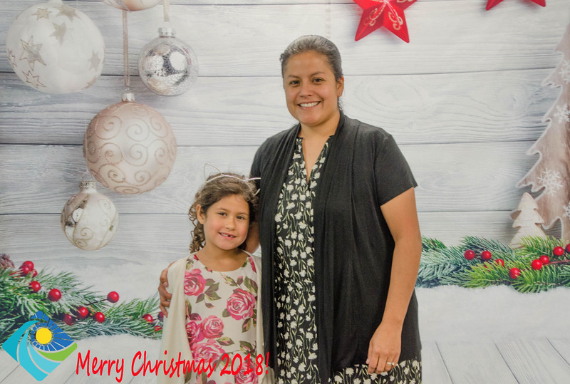 Christmas Photobooth 2018 Sunday-108.jpg