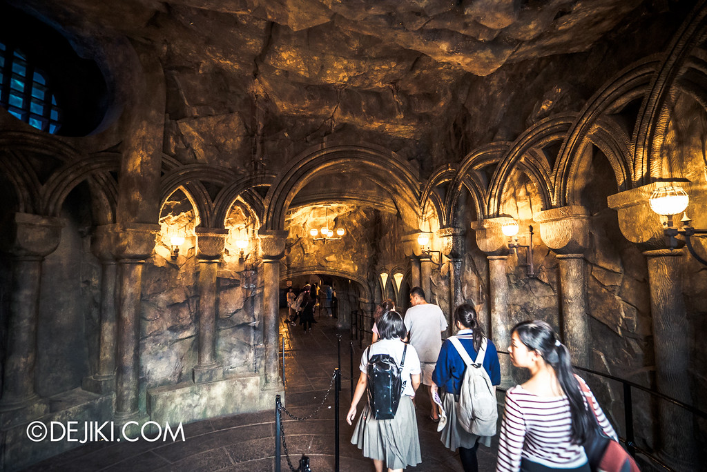 Universal Studios Japan - Harry Potter and the Forbidden Journey / Queue leading into Castle 2