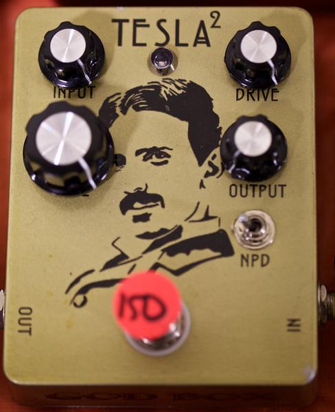 I wonder if Jimi Hendrix had one of these...