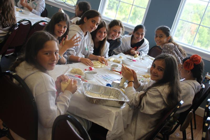 kars4kids_thezone_camp_girlsDivsion_activities_baking (41).JPG