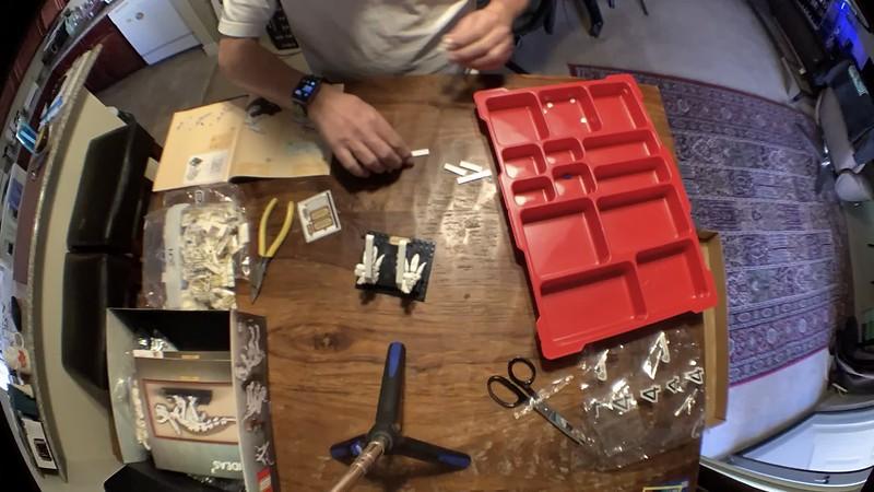 2020-02-08 LEGO T-Rex build-1