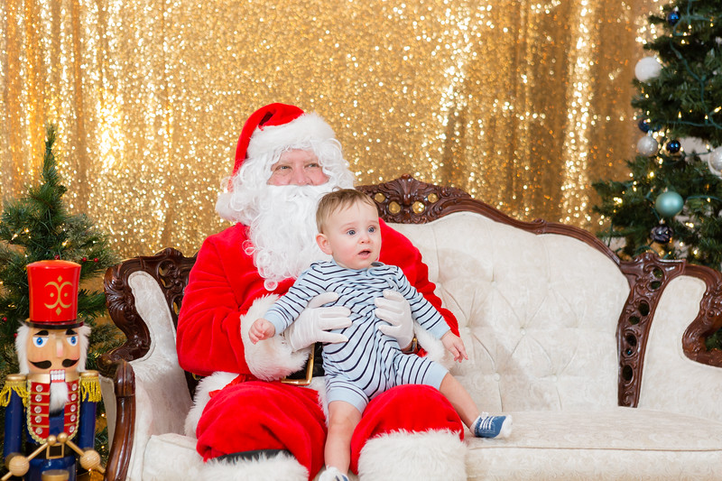 FADS Picture with Santa-231.jpg