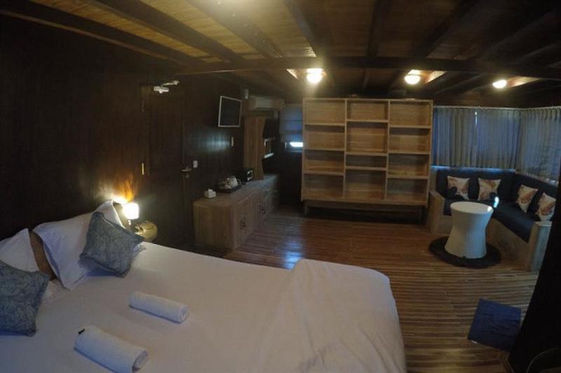 Upper Deck Cabin.jpg