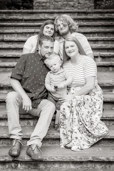 Qualls Family-0581-bw.jpg