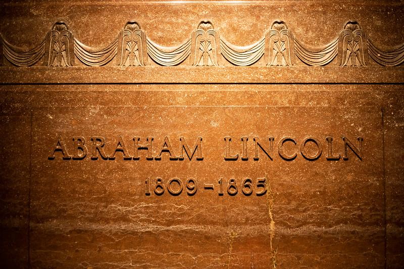 LincolnTomb1.jpg