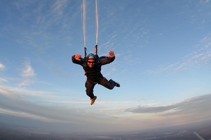100th skydive craig knudsen dec 2009-38.JPG