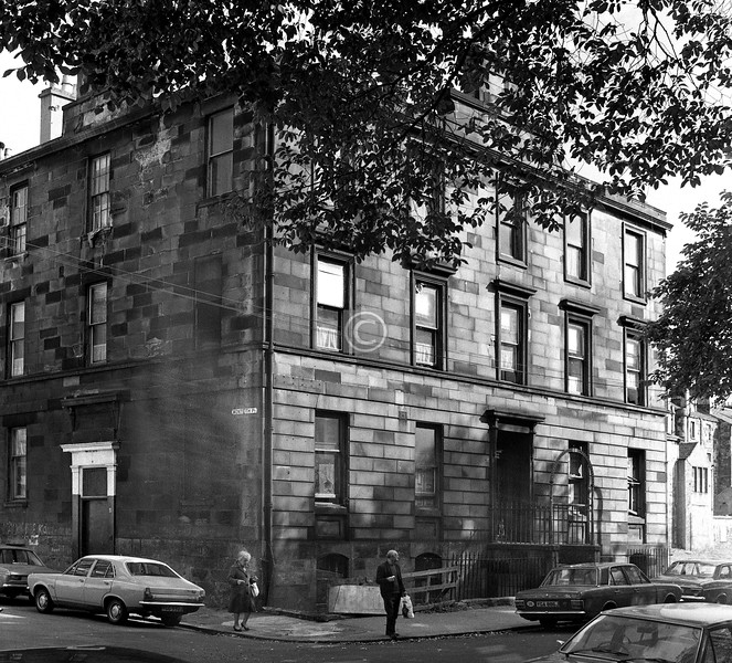 Corner of  Monteith Place and Monteith Row.    May 1976