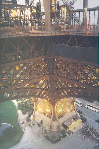 Eiffel Tower Leg.jpg