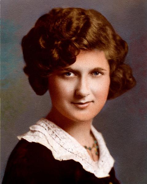 1930s. Dorothy Osheroff, Moline, Illinois.
