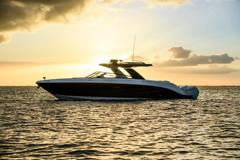 2021-SLX-R-400-e-Outboard-profile-08.jpg
