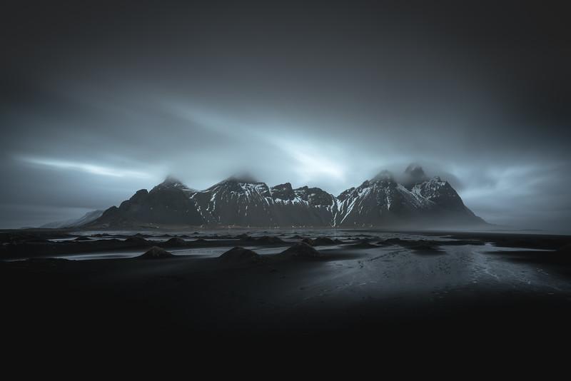 Dark Vestrahorn