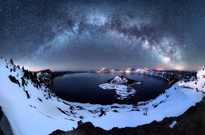 Crater Lake Milky Way.jpg
