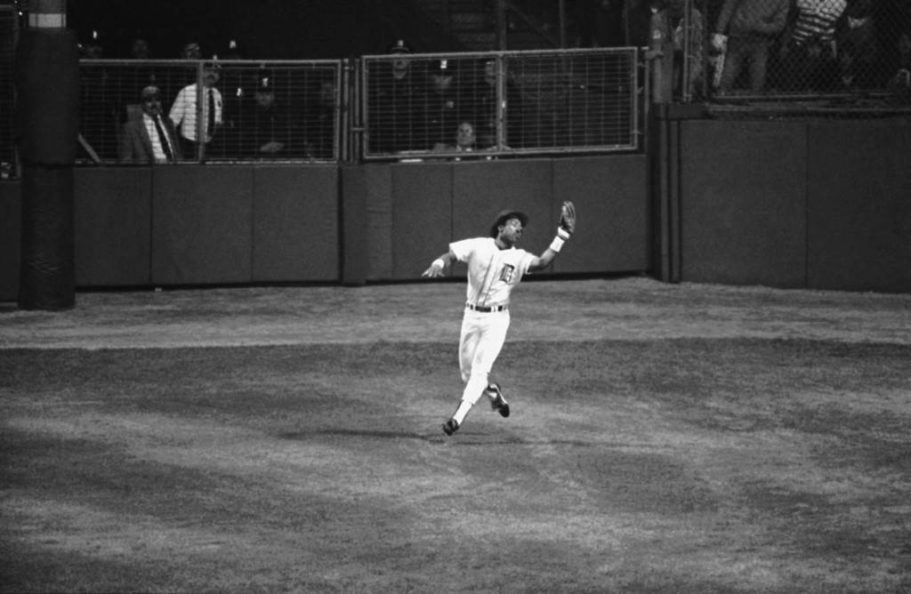 . Detroit centerfielder Chet Lemon takes a fly from Terry Kennedy to end the Padres half of the seventh inning in the World Series at Tiger Stadium, Friday, Oct. 13, 1984, Detroit, Mich. Detroit beat San Diego, 5-2. (AP Photo/Lenny Ignelzi)