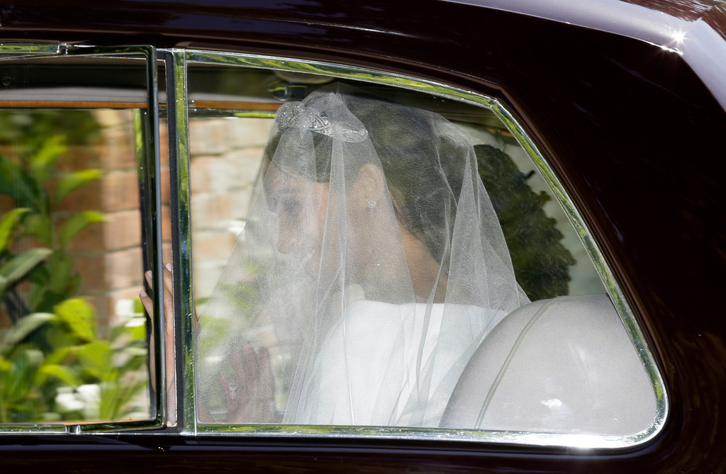 . Meghan Markle leaves Cliveden House Hotel in Taplow, near London, England, Saturday, May 19, 2018 before her wedding ceremony with Prince Harry at St. George\'s Chapel in Windsor Castle. (AP Photo/Tim Ireland)
