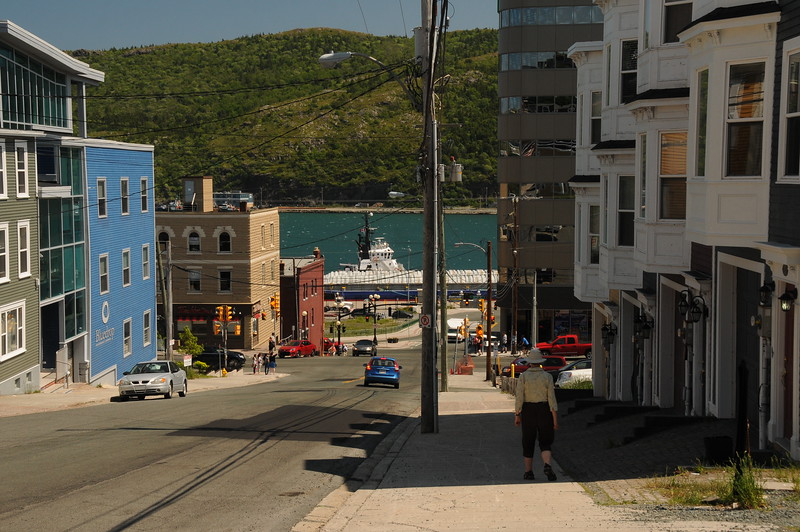 From Signal Hill, Sharon and I arrived back at our Cantwell House Bed and Breakfast some time around 1 o'clock pm, and after some R&R, we headed down to the waterfront for some more viewing.