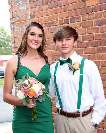 Alayna and Tanner   WCHS HoCo 2021