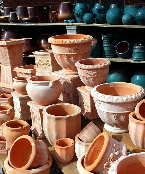 clip-015-clay_pots-wdsm-15mar06-c2-9214.jpg