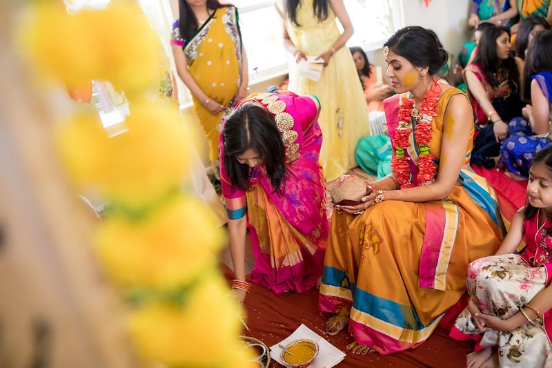 Hina_Pithi_Pooja-209.jpg