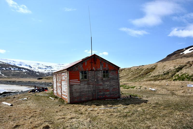 Furufjörður. Björgunarskýlið 2016.