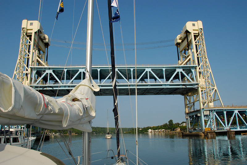 Houghton-Hancock lift bridge, heaviest in world