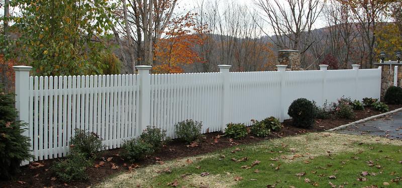 177 - 549354 - Ridgefield CT - Chestnut Hill Pool Fence