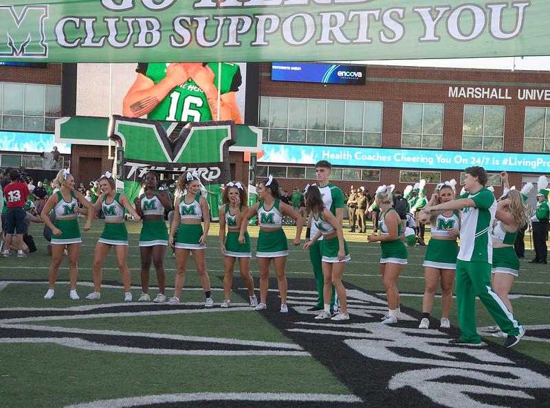 cheerleaders1194.jpg