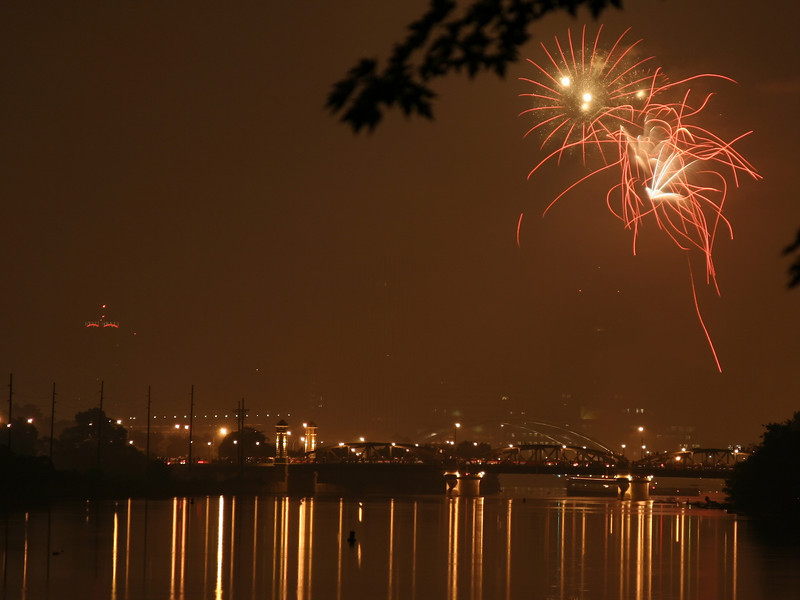 fireworks_09_07042007.jpg