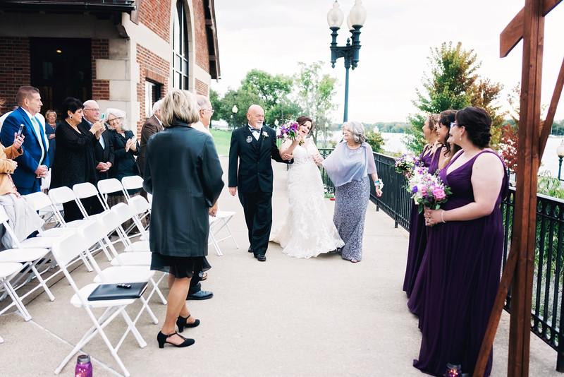 chateau-on-the-river-trenton-michigan-wedding-0249.jpg