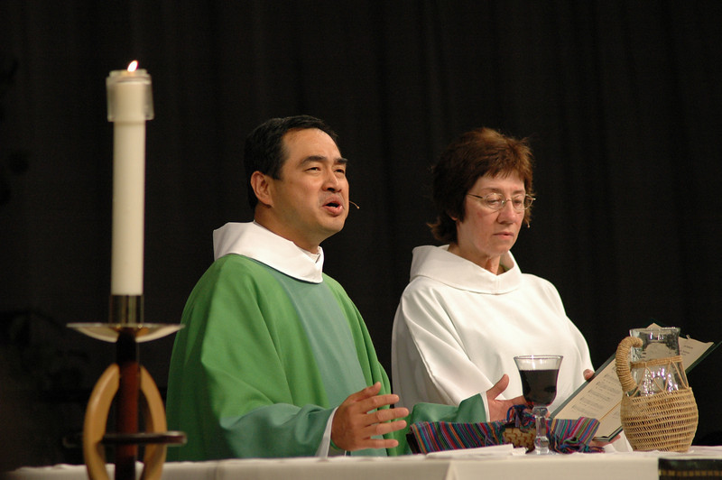 Pr. Lit-Inn Wu (Presiding Minister) and Sr. Virginia Strahan (Assisting Minister)